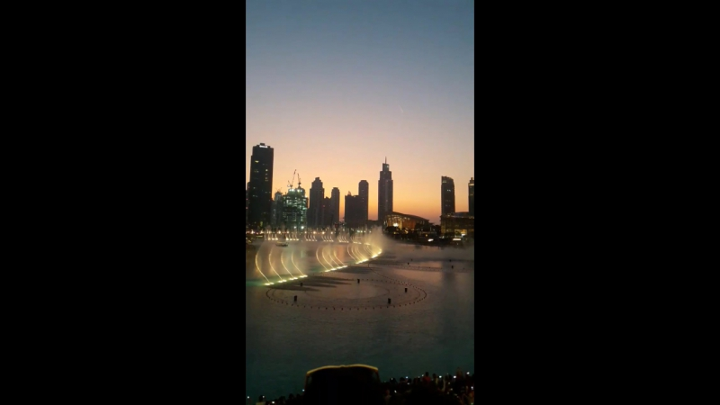 фонтан в ОАЭ Дубай 😍