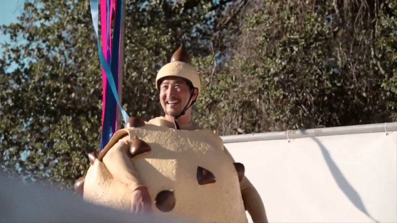 Забавный ролик про мягкое мороженое Баскин Роббинс
