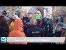 Großeinsatz in Fürstenfeldbruck Asylbewerber demonstrieren vor Rathaus ein verletzter Polizist April 2018