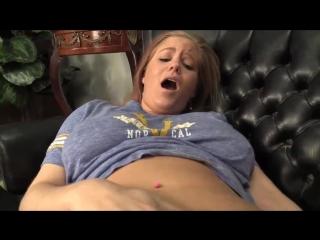 Сын играет с киской мамы, pov finger mature milf mom juicy pussy incest family son woman busty (инцест со зрелыми мамочками 18+)