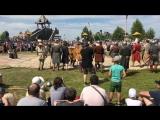 Показательное выступление отряда реконструкторов на фестивале «Абалакское поле»