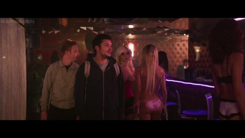 Мона Валравенс Mona Walravens и другие голые в фильме Гангстердам Gangsterdam 2017 Ромейн Леви 1080p