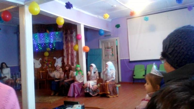 Бабушки старушки-ушки на макушке))