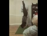 Мамина йога и смешной малыш 😉