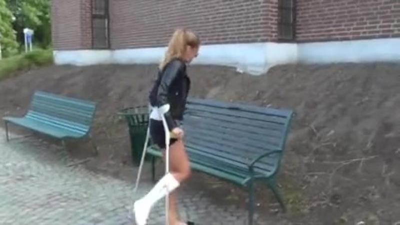 Cast crutches
