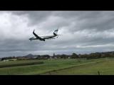 Ветер шатает самолет