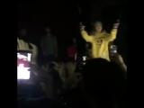 Lil Xan исполняет Star Shopping в трибьют о Lil Peep / TXT Vancouver 26.01