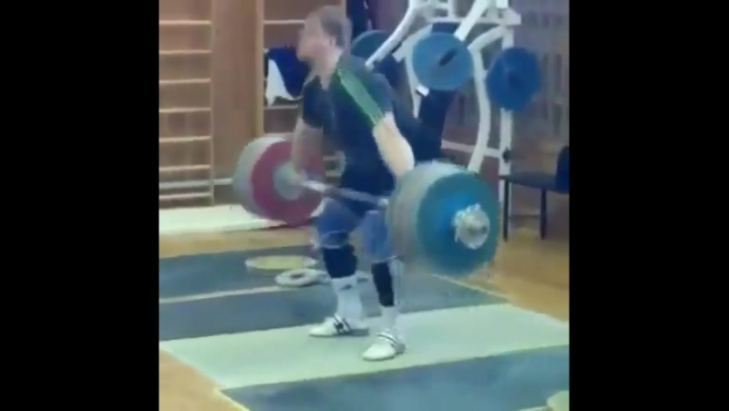 Дмитрий Лапиков рвет 217 кг