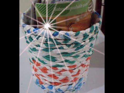 Como hacer un cesta de papeles con bolsas plasticas/ canasta reciclada