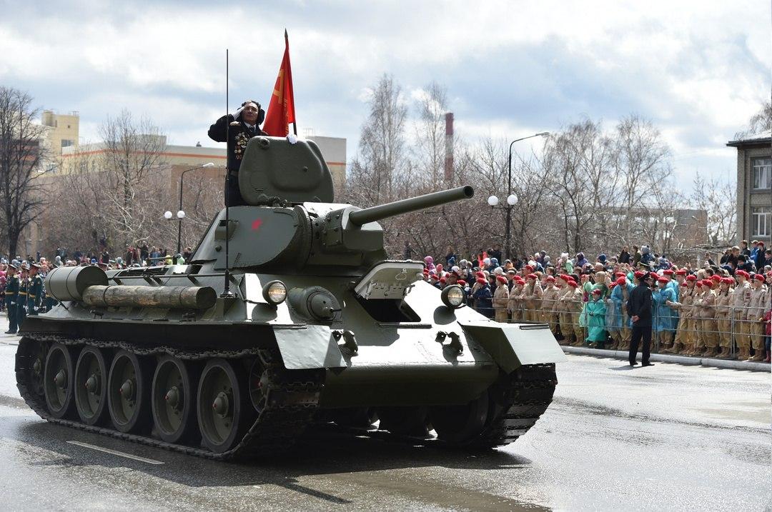 [WWII] Soviet tank development I5IwqhvHQwg