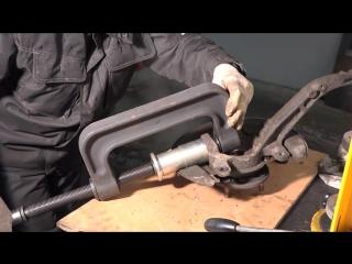 Honda Accord 5 (Хонда Аккорд 5) замена шаровой опоры поворотного кулака