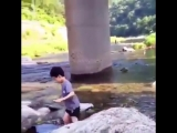 bringing back this iconic video of chenle throwing a rock at a kid lfmaookdkaka