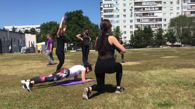 Тренировка на свежем воздухе с Романом Раджаповым и Валерией Козловой