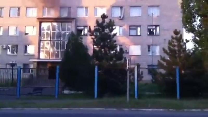Укр вояки ради забавы уничтожают школу на оккупированной территории Часть 2