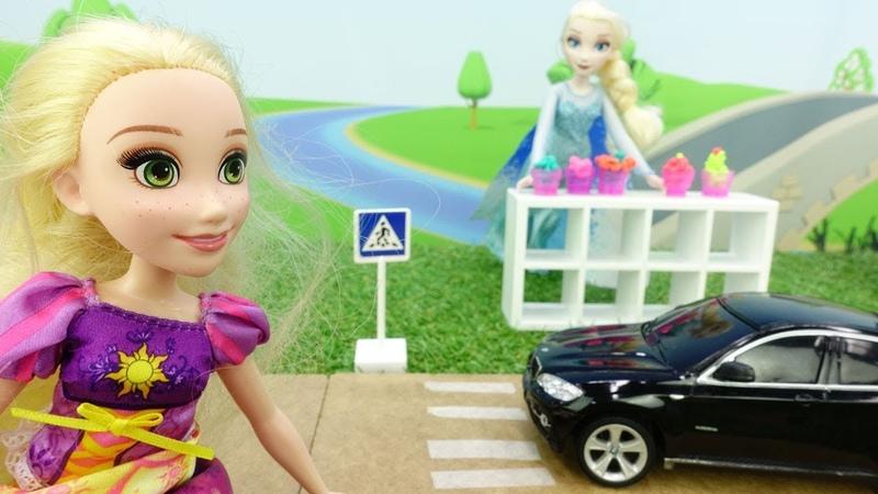 Игры для девочек с куклами - Играем в парикмахерскую - Детский садик