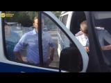 Алексей Навальный встречает брата после освобождения