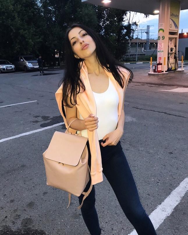 Яна Паршутина |
