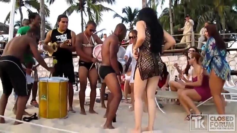 Жгучие бразильские танцы попками (720p).mp4