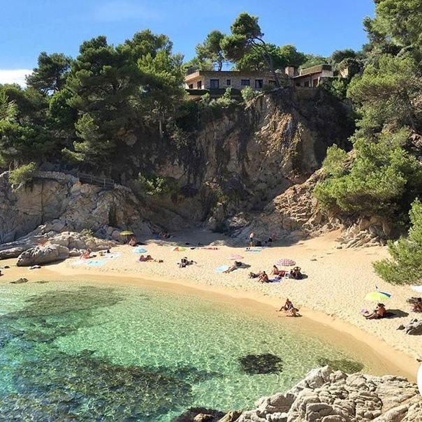 Туры в Испанию на 7 ночей с завтраками за 22300 c человека в июле