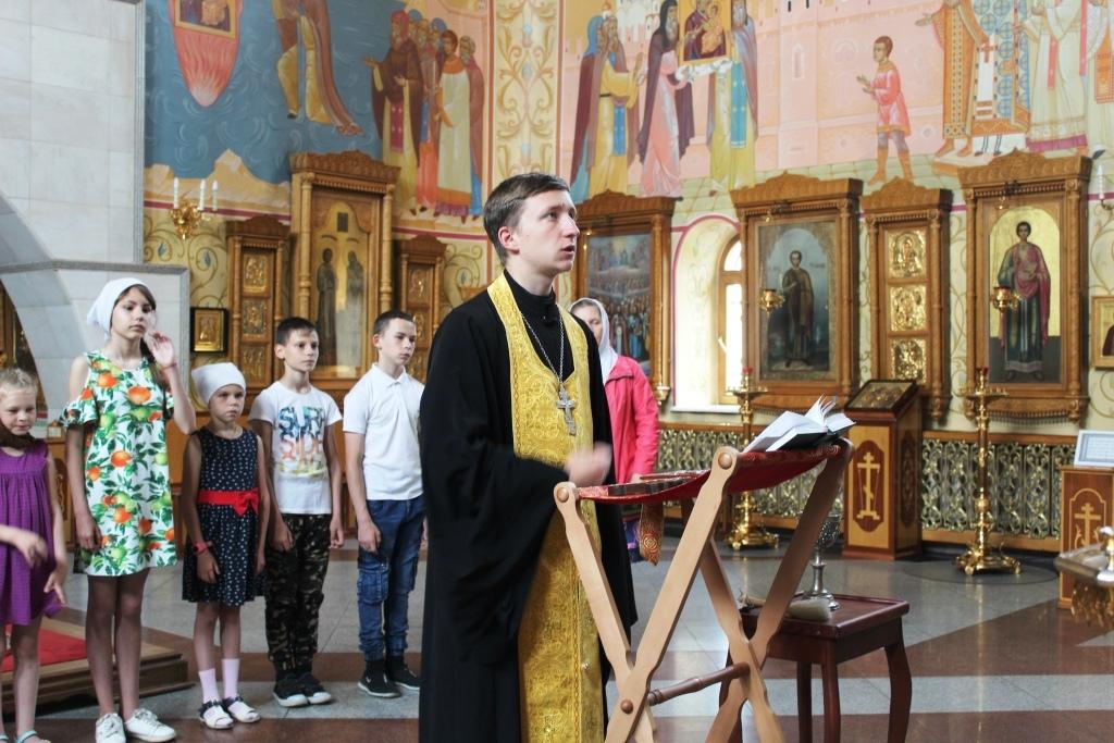 """""""Братья и сестры"""" святителя Иннокентия постигают азы Православия и добровольческого служения"""