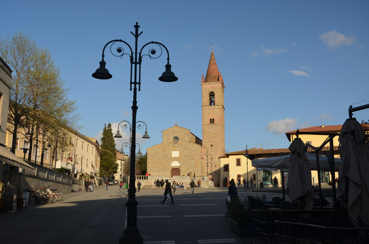 dECPCU8Hkeg Ареццо один из самых очаровательных городов Италии.