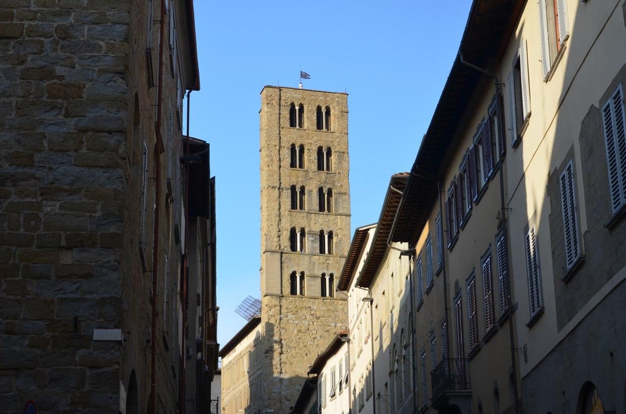 rT56PbpOsZY Ареццо один из самых очаровательных городов Италии.