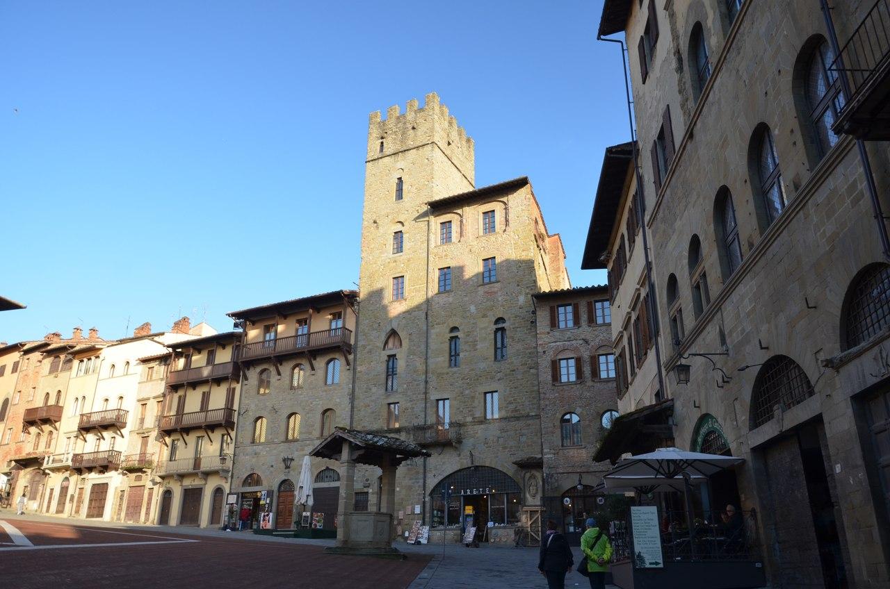 Cg-Uqte2yeA Ареццо один из самых очаровательных городов Италии.
