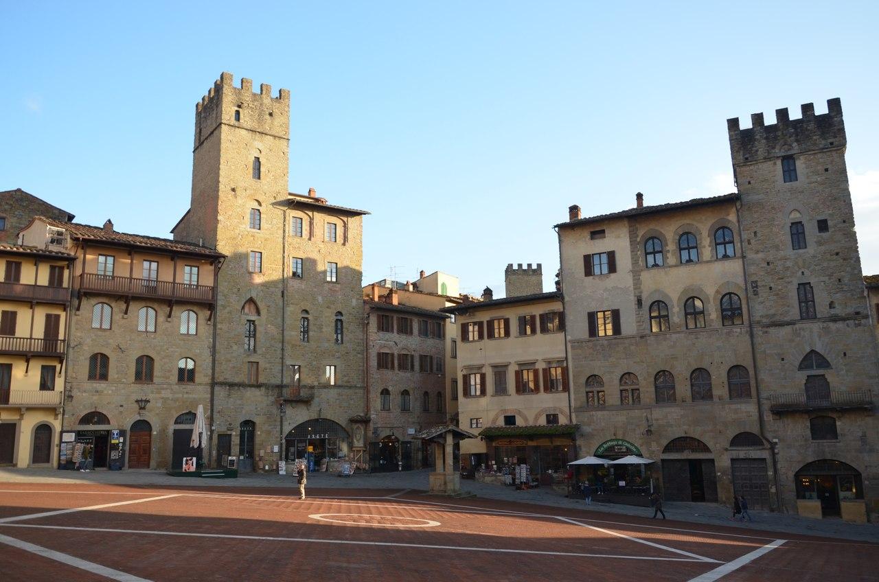 b5_SNS5QSn8 Ареццо один из самых очаровательных городов Италии.
