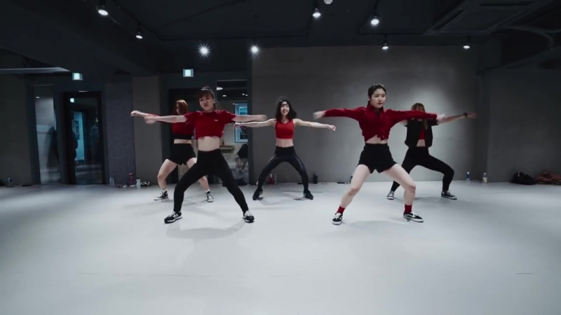 [DV ENTERTAINMENT] Soyeon, Moon Byul, Yongsun, Heejin, Lalisa. - Worth It Dance Cover