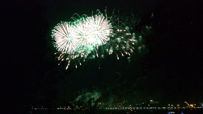 Фестиваль фейерверков в Костроме Это было красиво Волга сверкала красками 🎉💥