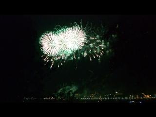 Фестиваль фейерверков в Костроме. Это было красиво, Волга сверкала красками! 🎉💥