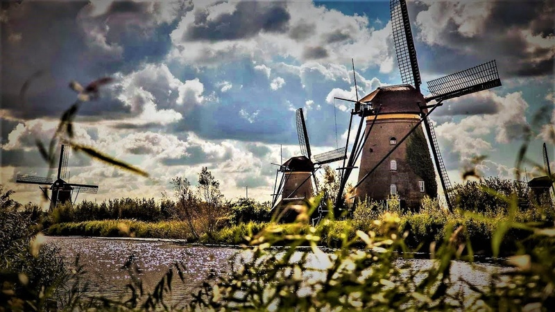 Den Haag Kinderdjik, Holland.