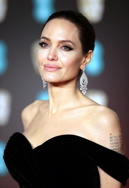 Анджелина Джоли на 71 церемонии вручения наград премии «BAFTA».