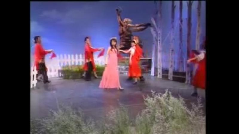 苏联歌曲《红莓花儿开》 Ой цветет калина - 越南语 , 俄语