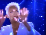 Annie Lennox&ampAl Green - Put A Little Love In Your Heart