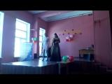 настя и Саша поют песню про маму