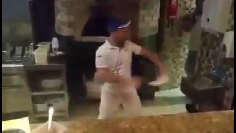Пиццу заказывали