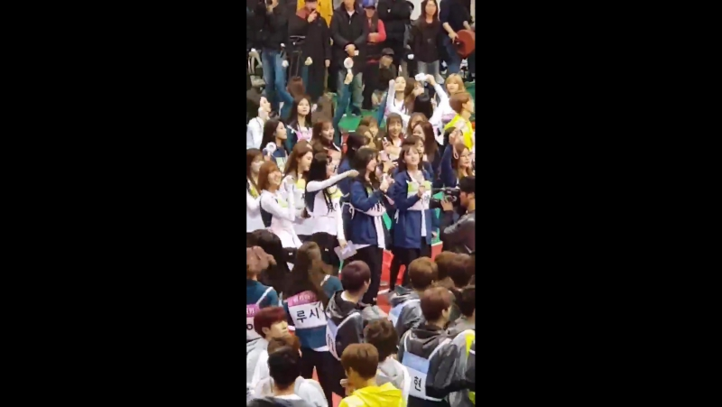 180115 KNK ASTRO OH MY GIRL LOVELYZ @ ISAC