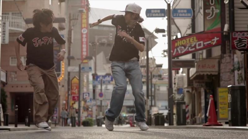 YLYK Dance Videos - Kyoka and Maika _ RUSHBALL in Osaka, Japan _ YAK FILMS