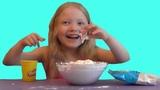 СЛАЙМ ЧЕЛЛЕНДЖ ИЗ СЛУЧАЙНЫХ ИНГРЕДИЕНТОВ ЛИЗУН СВОИМИ РУКАМИ ВИДЕО ДЛЯ ДЕТЕЙ VIDEO FOR KIDS
