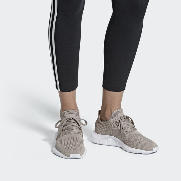 Кроссовки Swift Run
