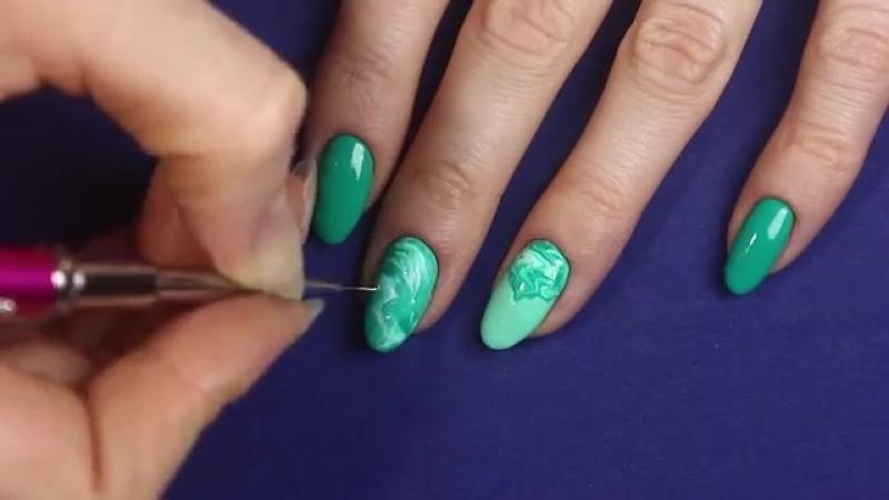 Маникюр с Натуральной текстурой на ногтях. Дизайн ногтей Малахитовая мозаика. Ге