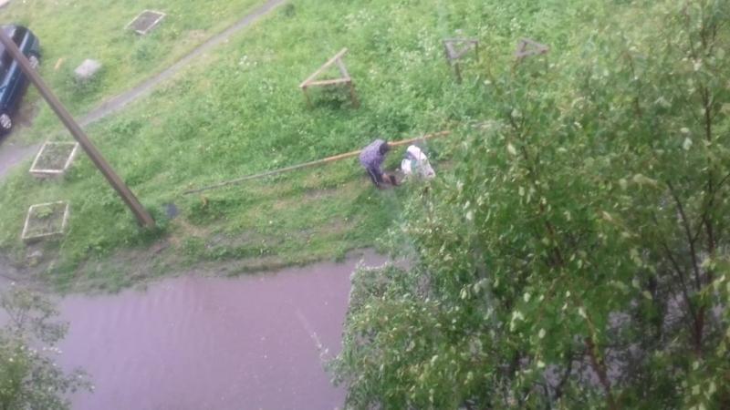 Плывем 🆘🆘🆘Соседи соседям выносят сапоги Козлова 15