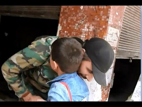 Eastern Ghouta civilians greeting Syrian Army as it enters Ain Tarma | March 23rd 2018. Опубликовано: 23 мар. 2018 г.