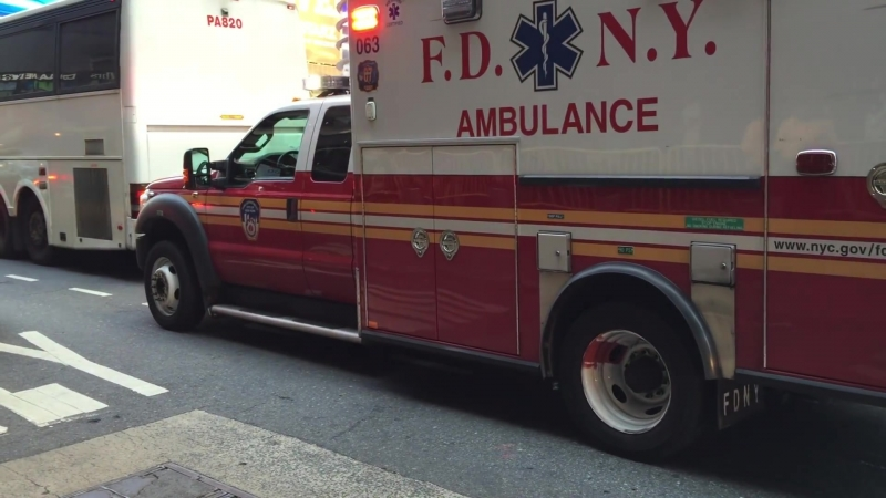 HORRIFIC PAINFUL TO WATCH 2 MINUTES OF A FDNY EMS AMBULANCE RESPONDING IN HEAVY RUSH HOUR TRAFFIC.