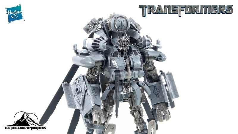 Optibotimus Reviews: Transformers Studio Series Leader Class BLACKOUT
