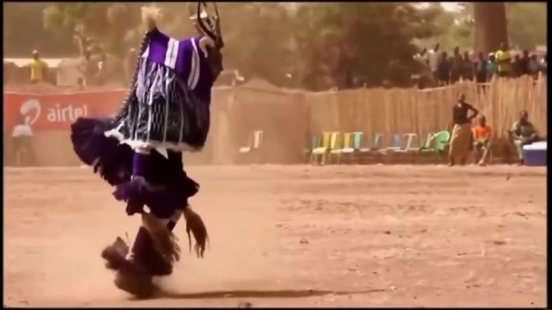 Танцуют все Прикольный танец папуаса 1