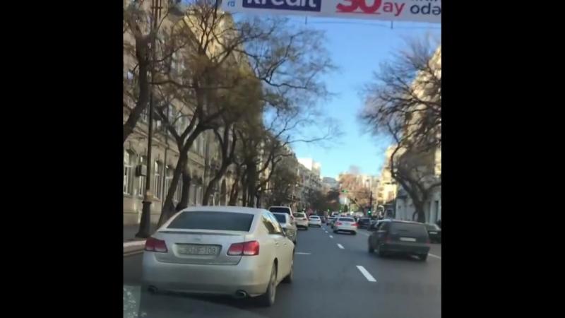 Naza on Instagram_ _Zima v Baku_--❄️❄️❄️_jey.mp4