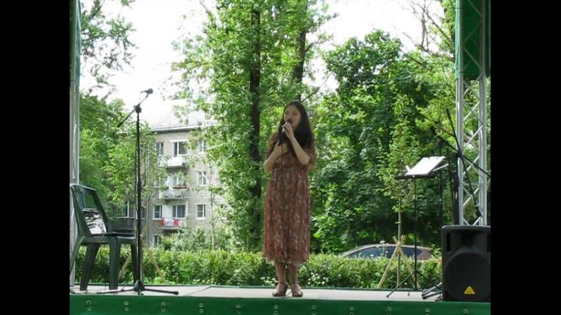 Отрывок выступления Сусанны Аракелян на выставке Хлебосолье в Гатчине 14.06.2018г.