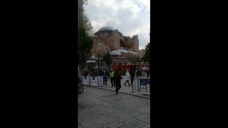 София Константинопольская.(Ай София) г.Стамбул. Построена в 537 году императором Византийской империи Юстинианом.